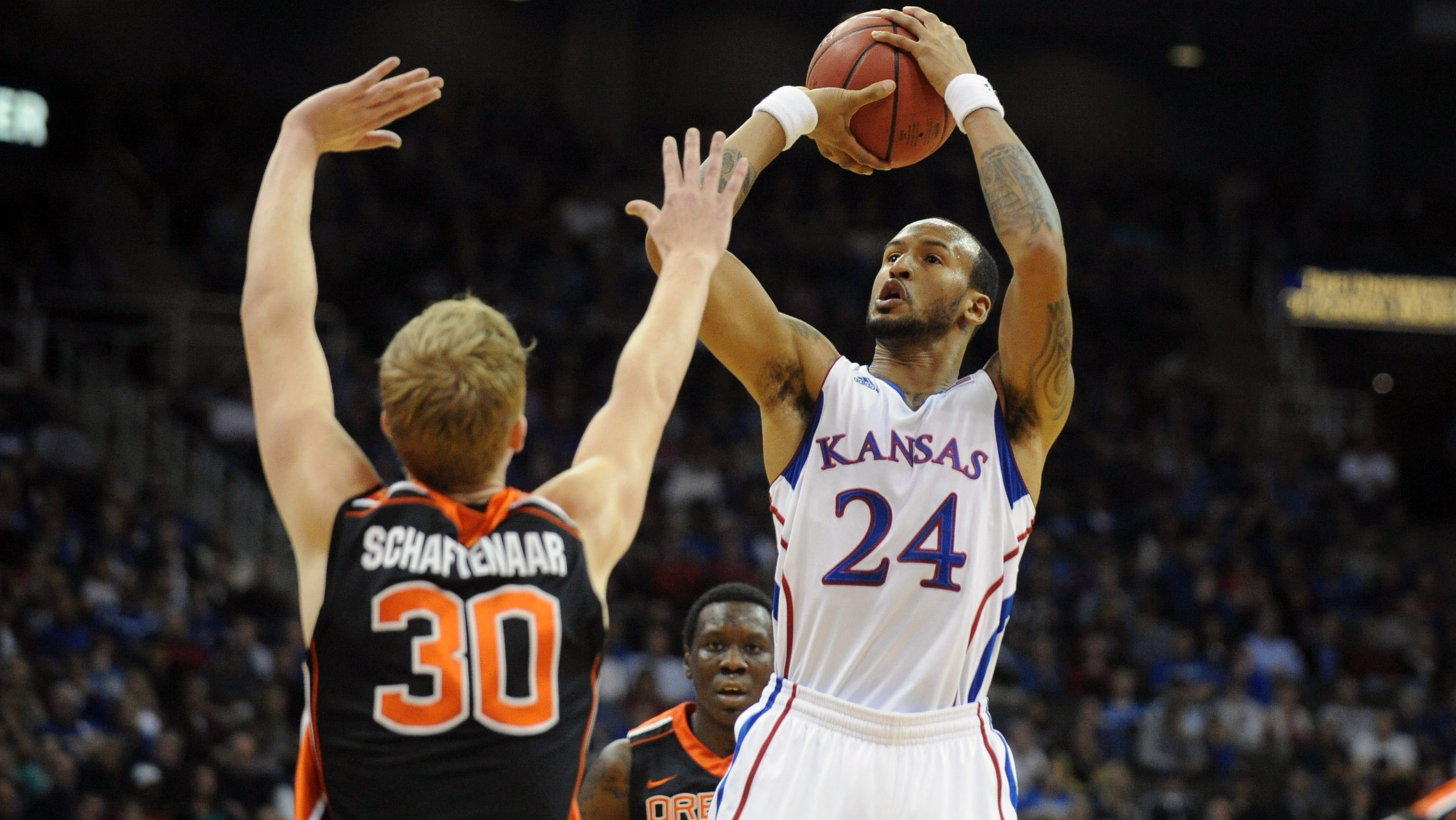 Kansas Jayhawks Hold Off Scrappy >> No 10 Kansas Holds Off Oregon State Rally
