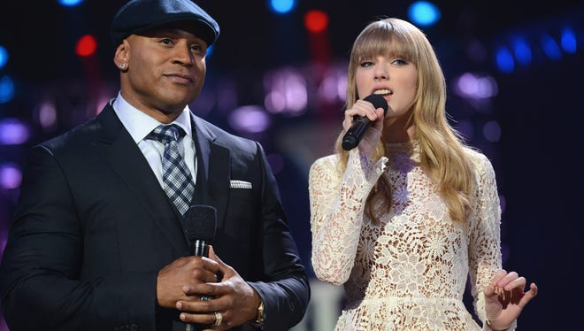 LL Cool J and Taylor Swift beatbox and sing at Grammy nominations concert.