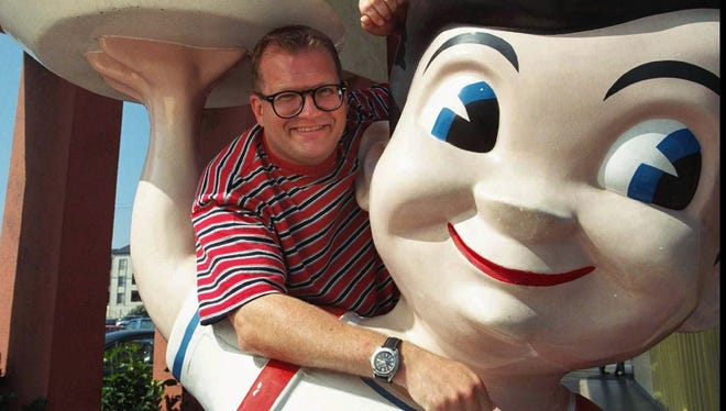 Comedian Drew Carey in 1997 at the Bob's Big Boy in Burbank, Calif. The suburban Los Angeles landmark, the oldest Big Boy restaurant in the country, remains open for business unlike other locations once operated by the chain.