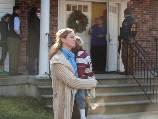 2012-12-14-lopo-school-shooting-column