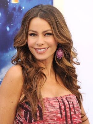 Pepsi will roll out an ad campaign featuring Sofia Vergara to introduce a new logo.