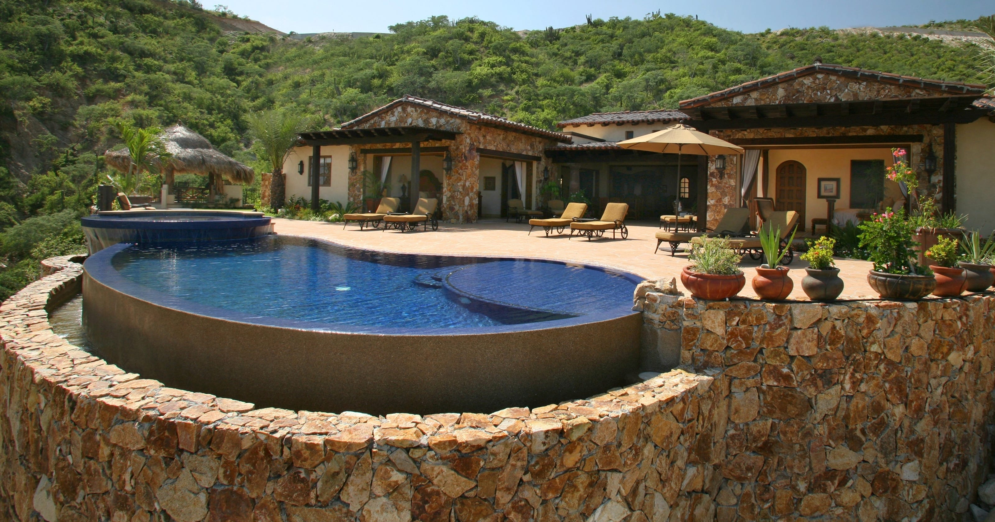 Eight popular amenities for high-end homes