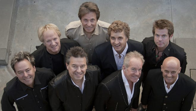 Welcome to Chicago: Robert Lamm, Lee Loughnane, second row, far left; Jason Scheff, Keith Howland, Lou Pardini, Walt Parazaider, James Pankow, bottom row, second from right; Tris Imboden.