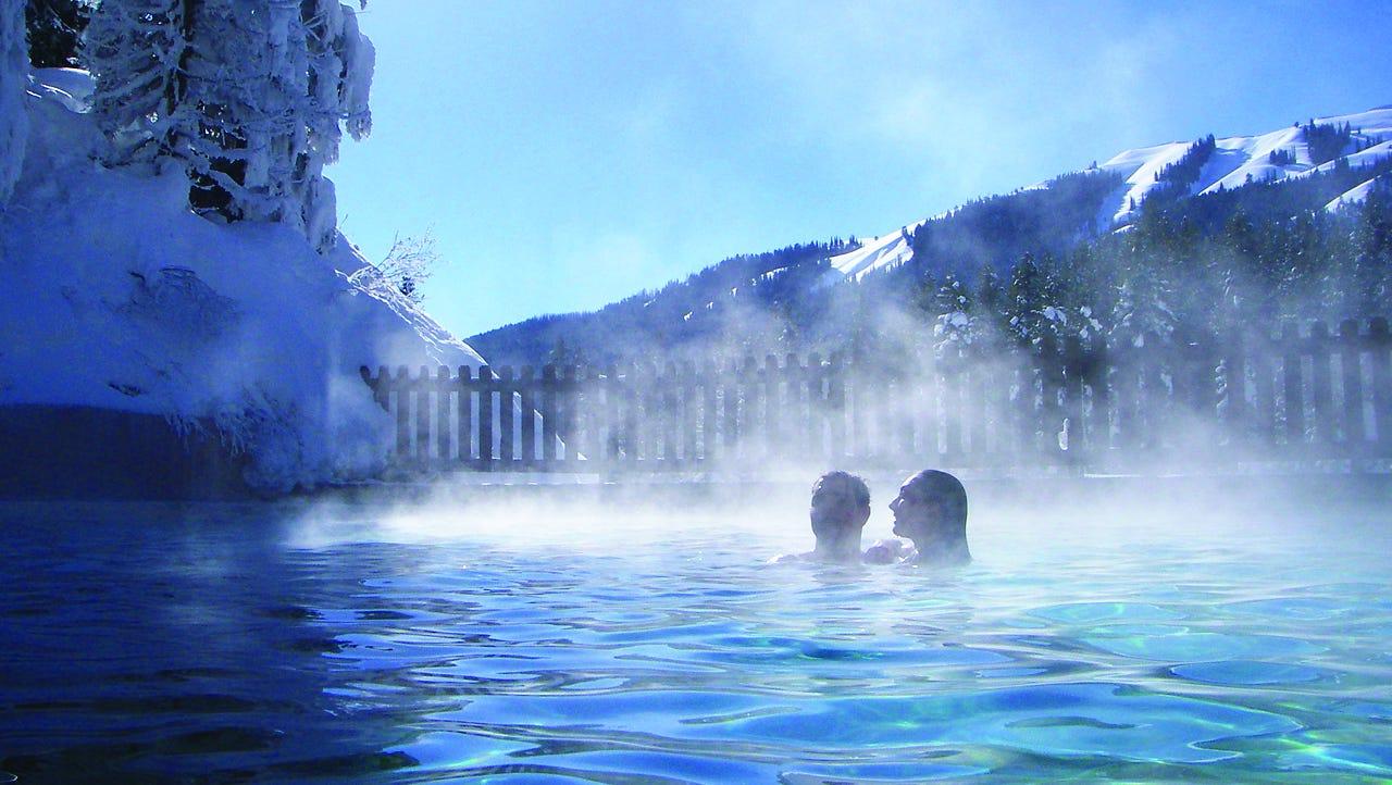 Een Warme Winter : Rocky mountain hot pools warm winter bathers