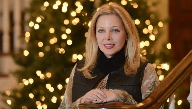 Washington, D.C., lobbyist Edwina Rogers is divorcing her Republican lobbyist, affecting their holidays.