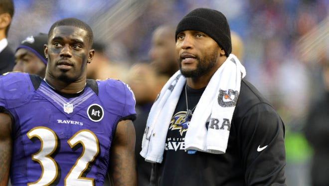 Ravens inside linebacker Ray Lewis has been sidelined with a right triceps injury since Oct. 14.