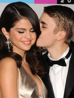 For Selena Gomez and Justin Bieber, the year was pretty much up and down, on and off.