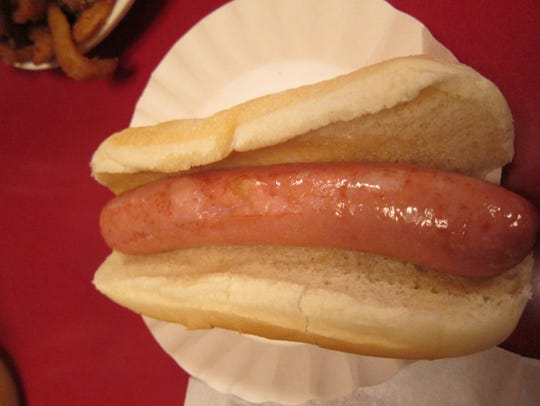 Rutts Hut medium hot dog