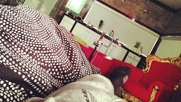 Chris Brown Instragrams his foot.