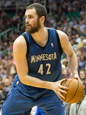 Minnesota forward Kevin Love left Thursday's game against the Nuggets after reinjuring his right hand. Tests revealed Love fractured his finger.