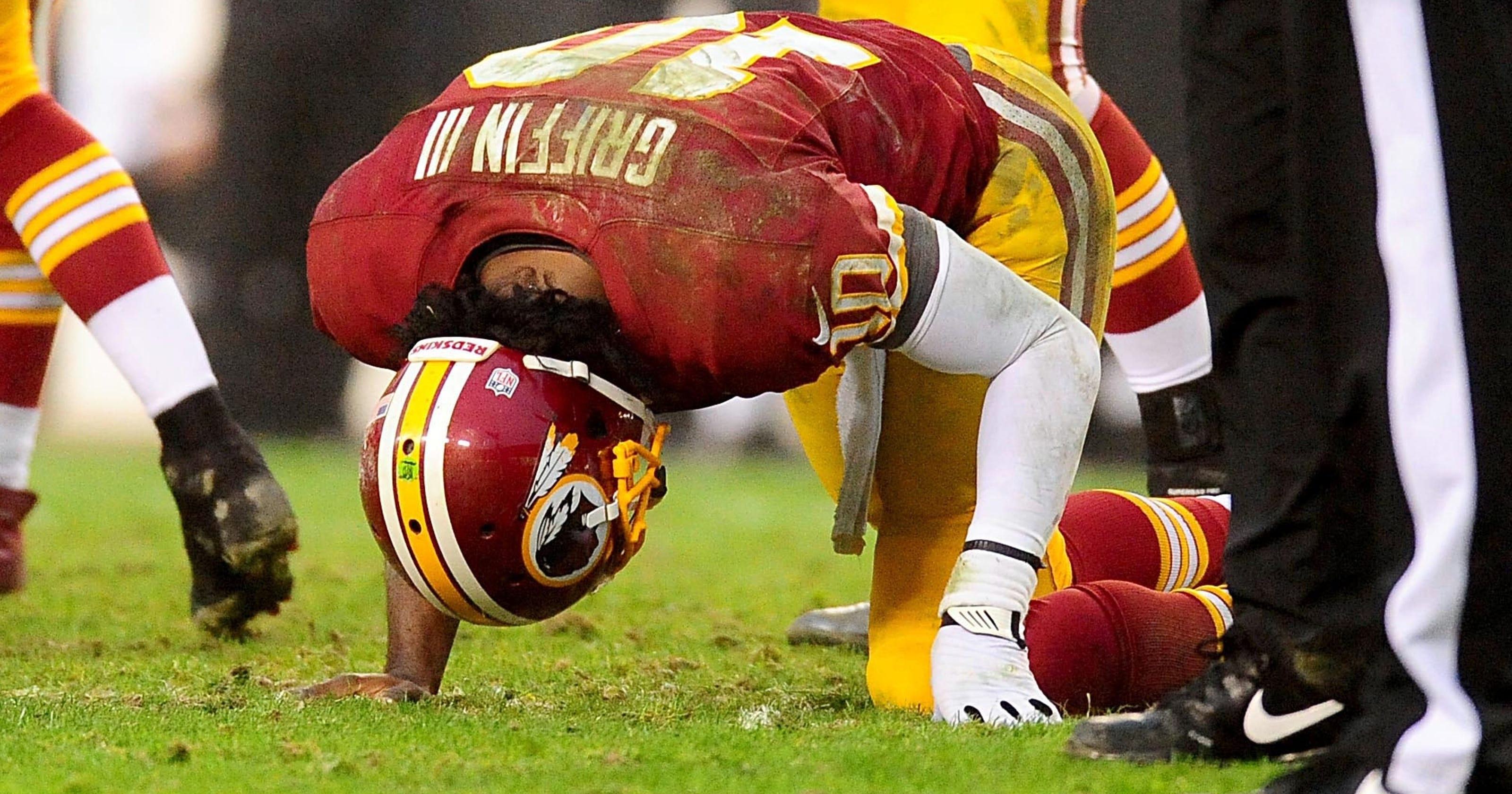 7592d775b Dr. James Andrews says he never cleared Robert Griffin III to go back into  game after injury