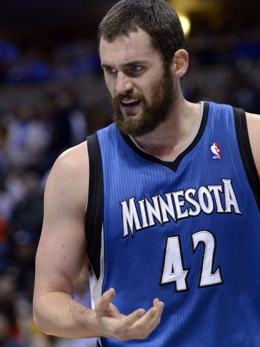01-9-kevin-love-hand-timberwolves