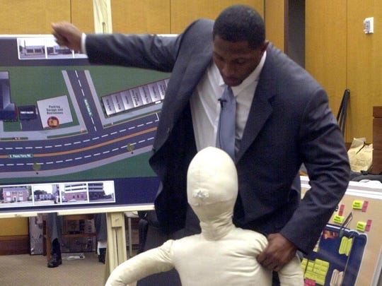 2013-01-10-ray-lewis-court