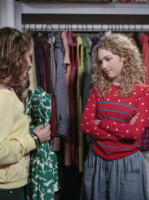 AnnaSophia Robb as Carrie Bradshaw in 'The Carrie Diaries' on the CW.