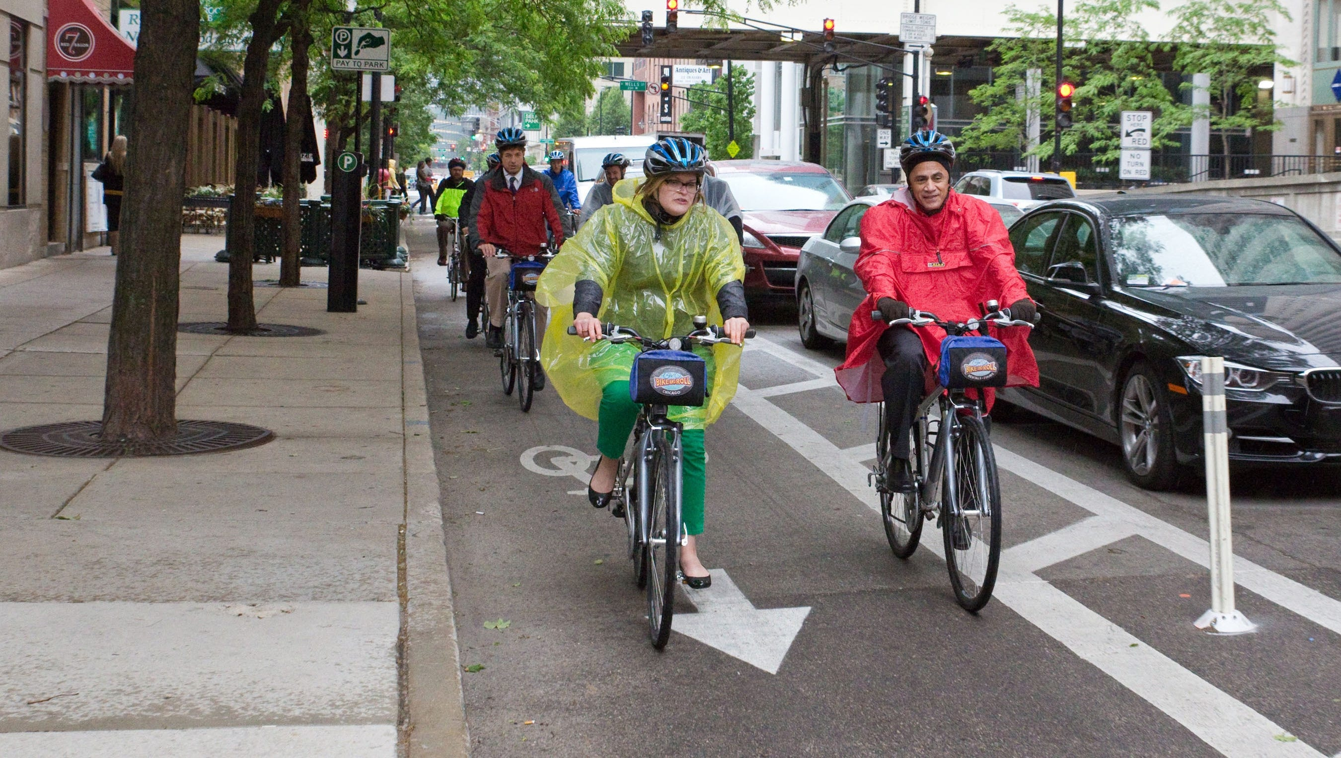 More protected lanes for bicyclists pop up in cities