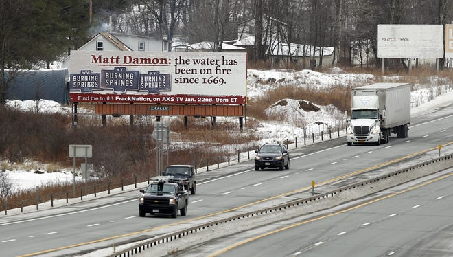 Matt Damon and his latest Hollywood movie, Promised Land, are under fire on a billboard in upstate New York erected by documentary film maker Phelim McAleer.