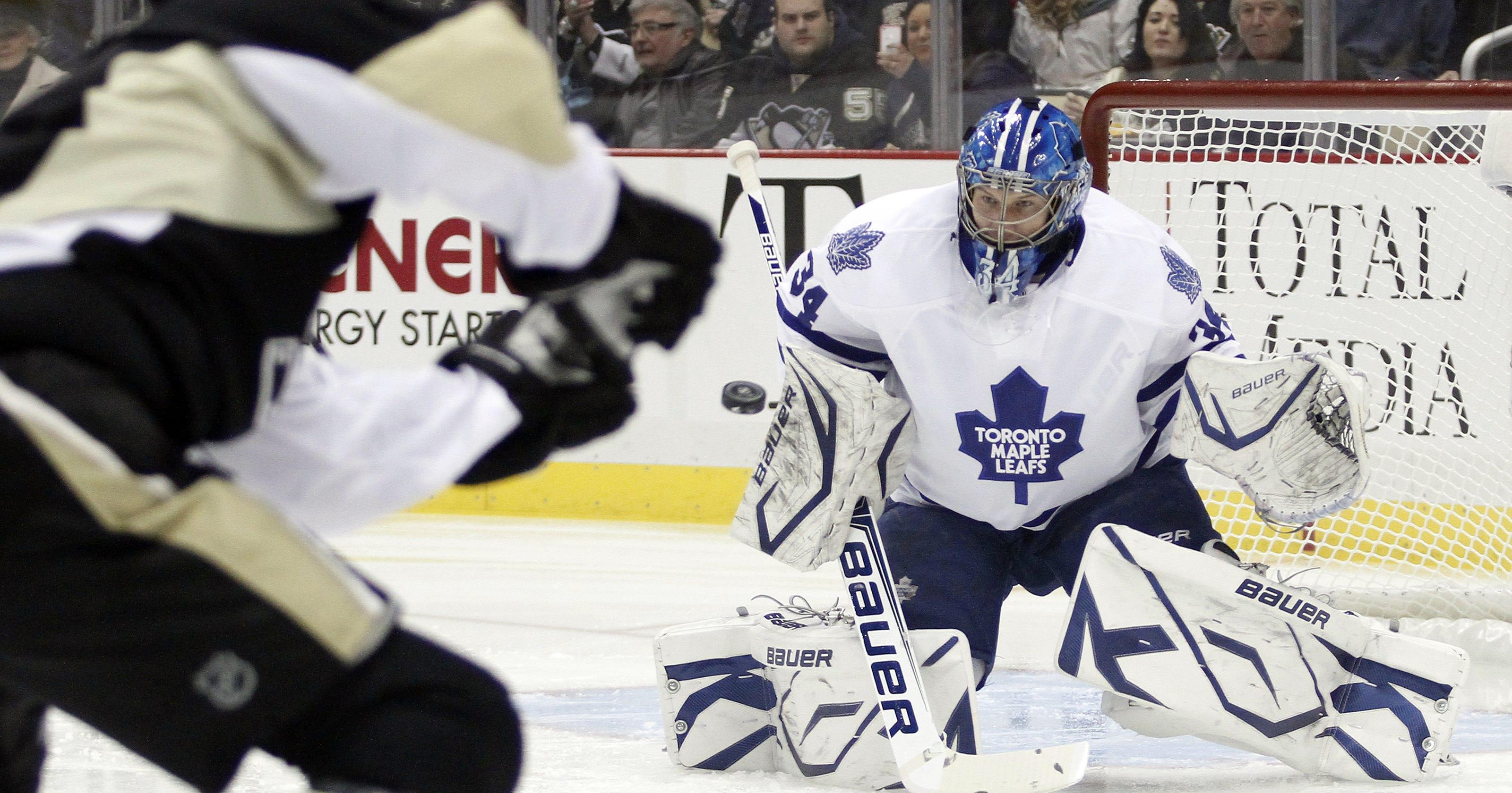 552754d6313 Maple Leafs top Penguins