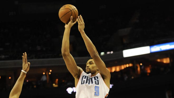 Gerald Henderson's late bucket gave the Bobcats their first home win since Nov. 21.