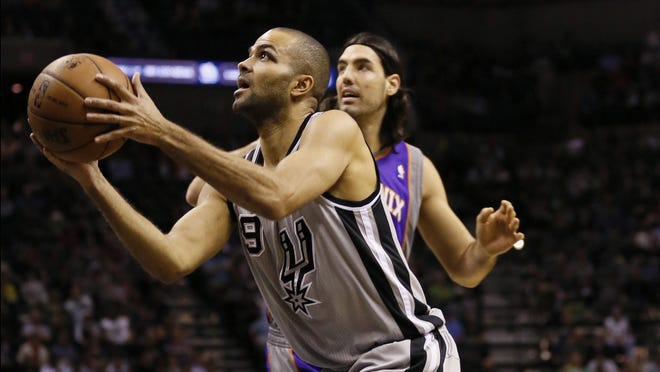 Tony Parker and the Spurs won their 16th straight home game.
