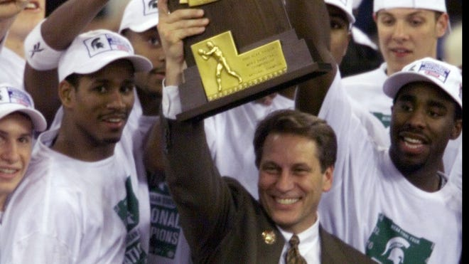 Michigan State coach Tom Izzo and his team celebrate their 2000 national title, the only one for a Big Ten school in the past 23 years.