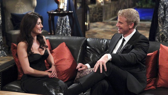 Sean Lowe chats with Selma Alameri on the Jan. 7 episode of 'The Bachelor' on ABC.