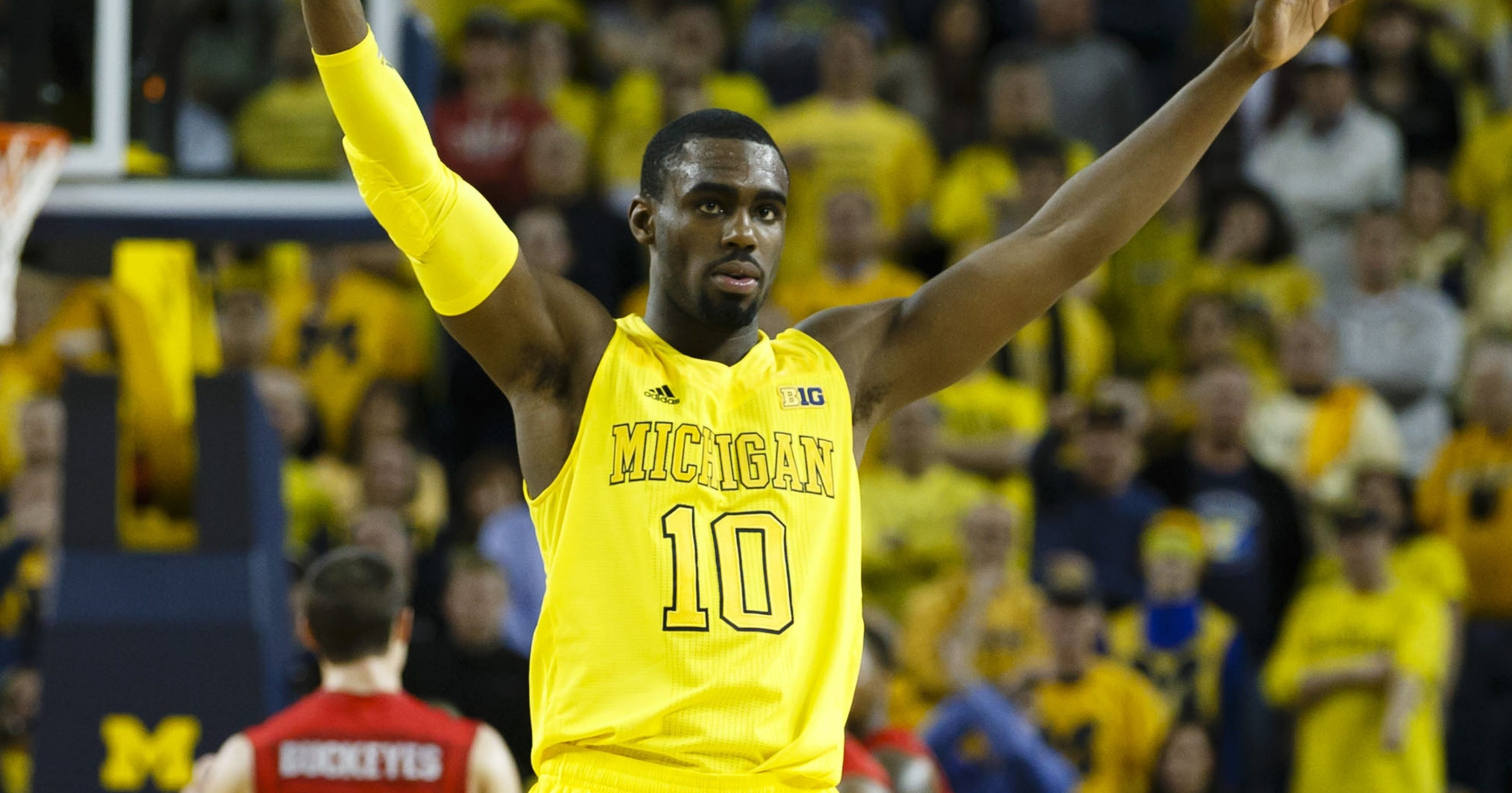 c6d8f6fdf48 Michigan Wolverines hold on for key win over Ohio State Buckeyes