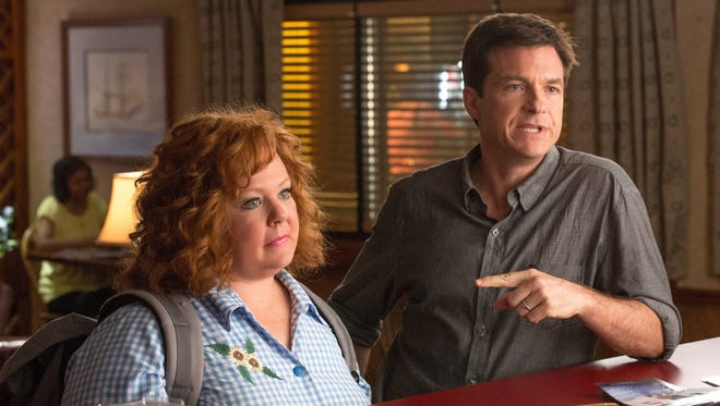 Melissa McCarthy is the titular 'Identity Thief' and Jason Bateman her hapless victim.