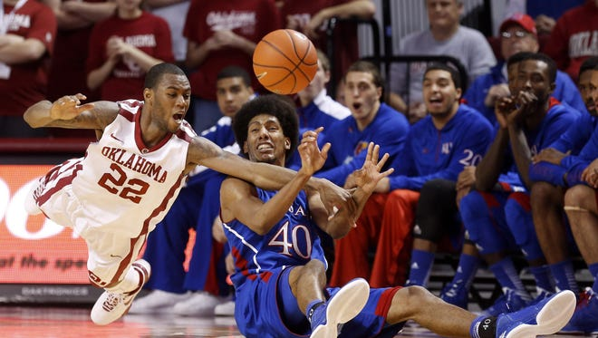 Oklahoma 72, No. 5 Kansas 66