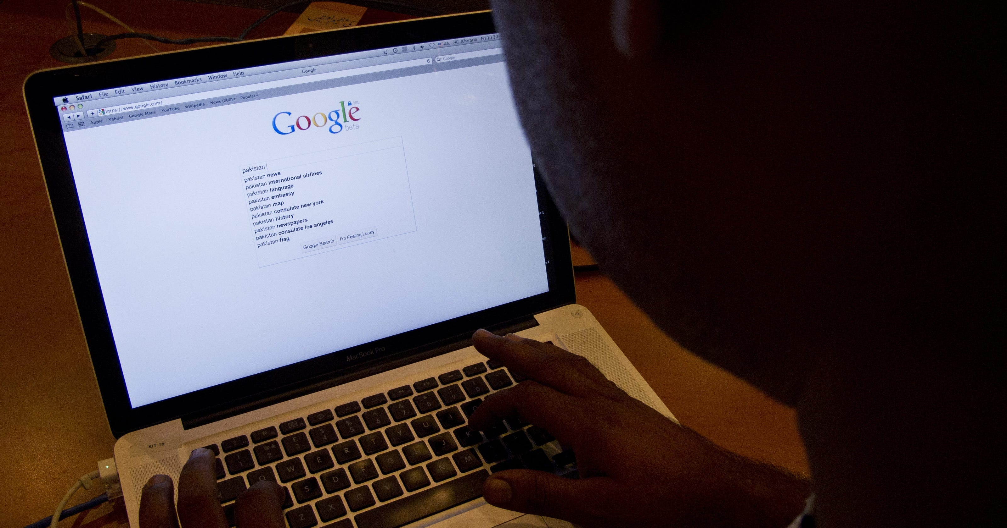 Hemorrhoids sit atop trending health issues on Google