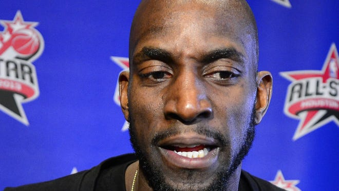 Kevin Garnett of the Boston Celtics said he's not waiving his no-trade clause.