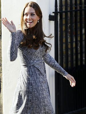 Duchess Kate meets recovering addicts at Hope House in London, displaying barely a baby bump.
