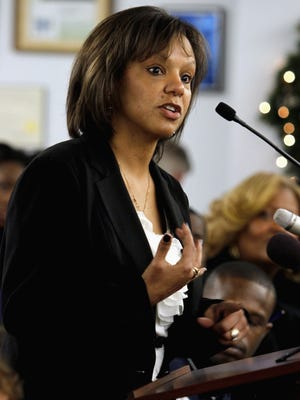 Former Illinois representative Robin Kelly won the Democratic primary in a race to replace Jesse Jackson Jr. in Congress.
