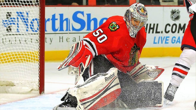 Chicago Blackhawks goalie Corey Crawford will attempt to increase his team's record streak to 20 games.