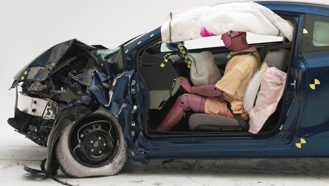 Honda's new Civic passed IIHS' tougher crash tests