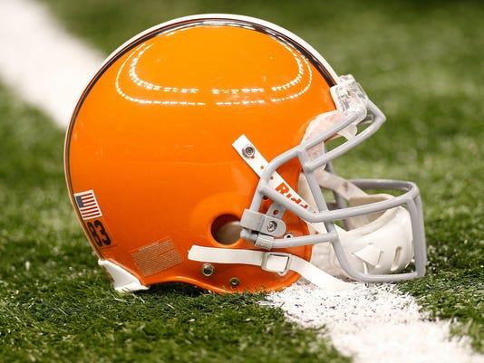 2013-03-10-cleveland-browns-helmet