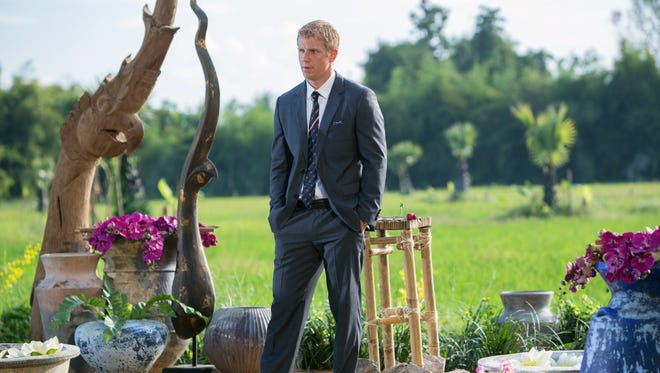 Sean Lowe mulls his final move on Monday's 'Bachelor.'