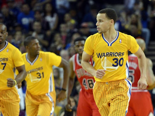 6ebbd1cb6 3-16-stephen-curry-warriors-playoff-race