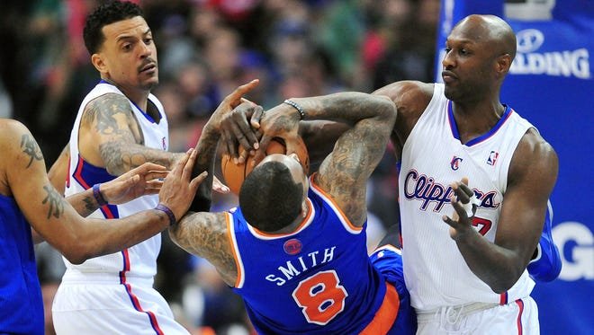 Carmelo Anthony Sits As Clippers Rout Sliding Knicks