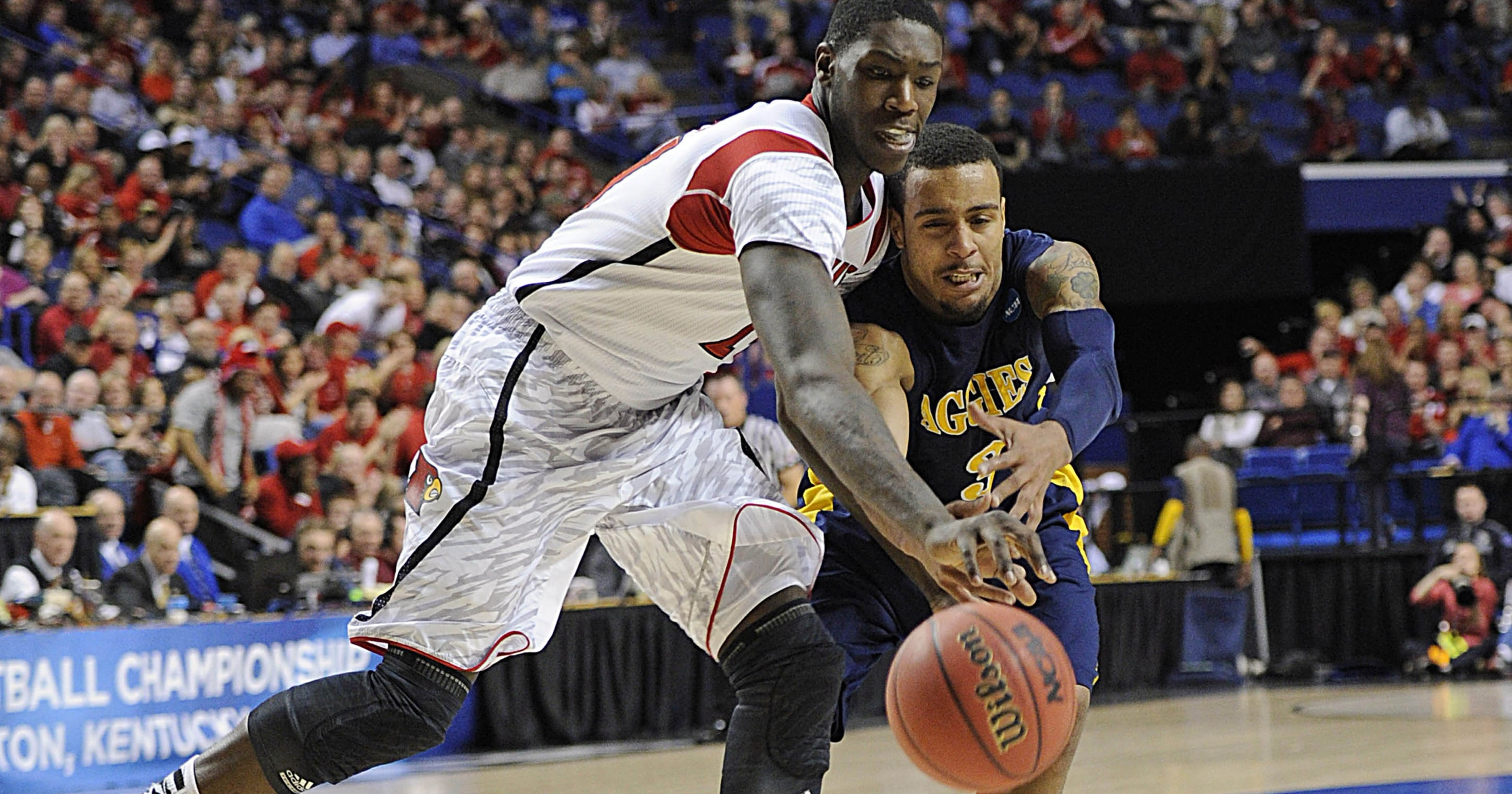 Top seed Louisville rolls to rout of North Carolina A&T