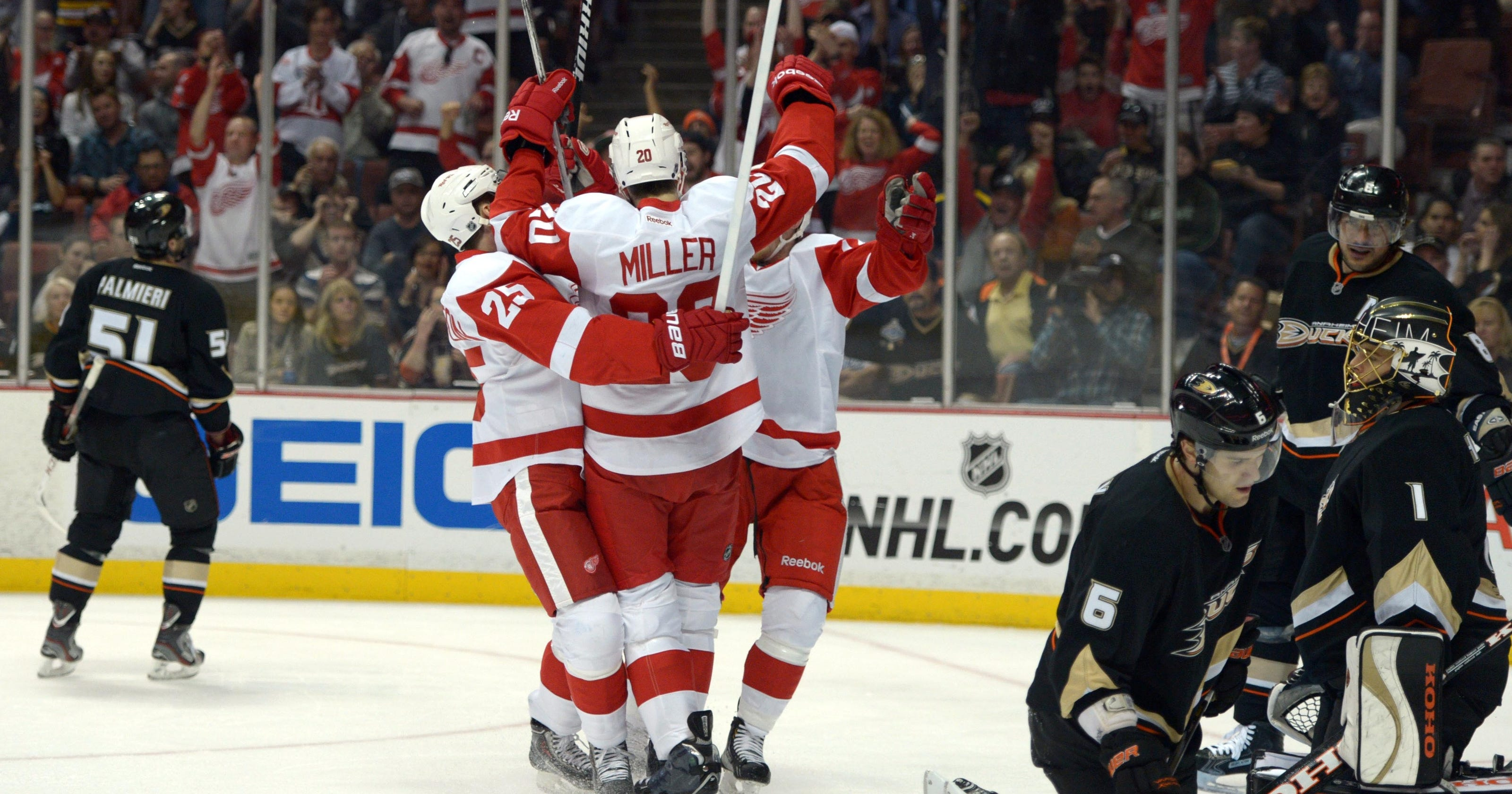 15c1b1d3f Red Wings beat Ducks for 4th straight road win
