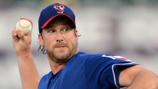 Derek Lowe was 9-11 with a 5.11 ERA last season in 21 starts and 17 relief appearances for Cleveland and the New York Yankees.