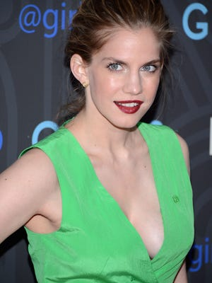 Anna Chlumsky will become a mom later this year.