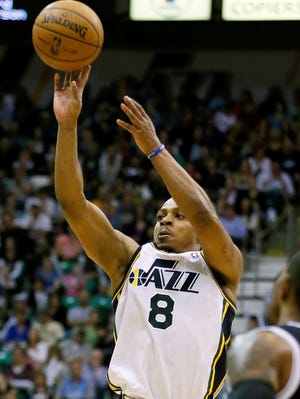 Randy Foye buried eight three-pointers to help the Jazz stay in eighth place in the West.