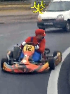 You'll go bananas with laughter when Remi Gaillard takes his Mario Kart on the road.