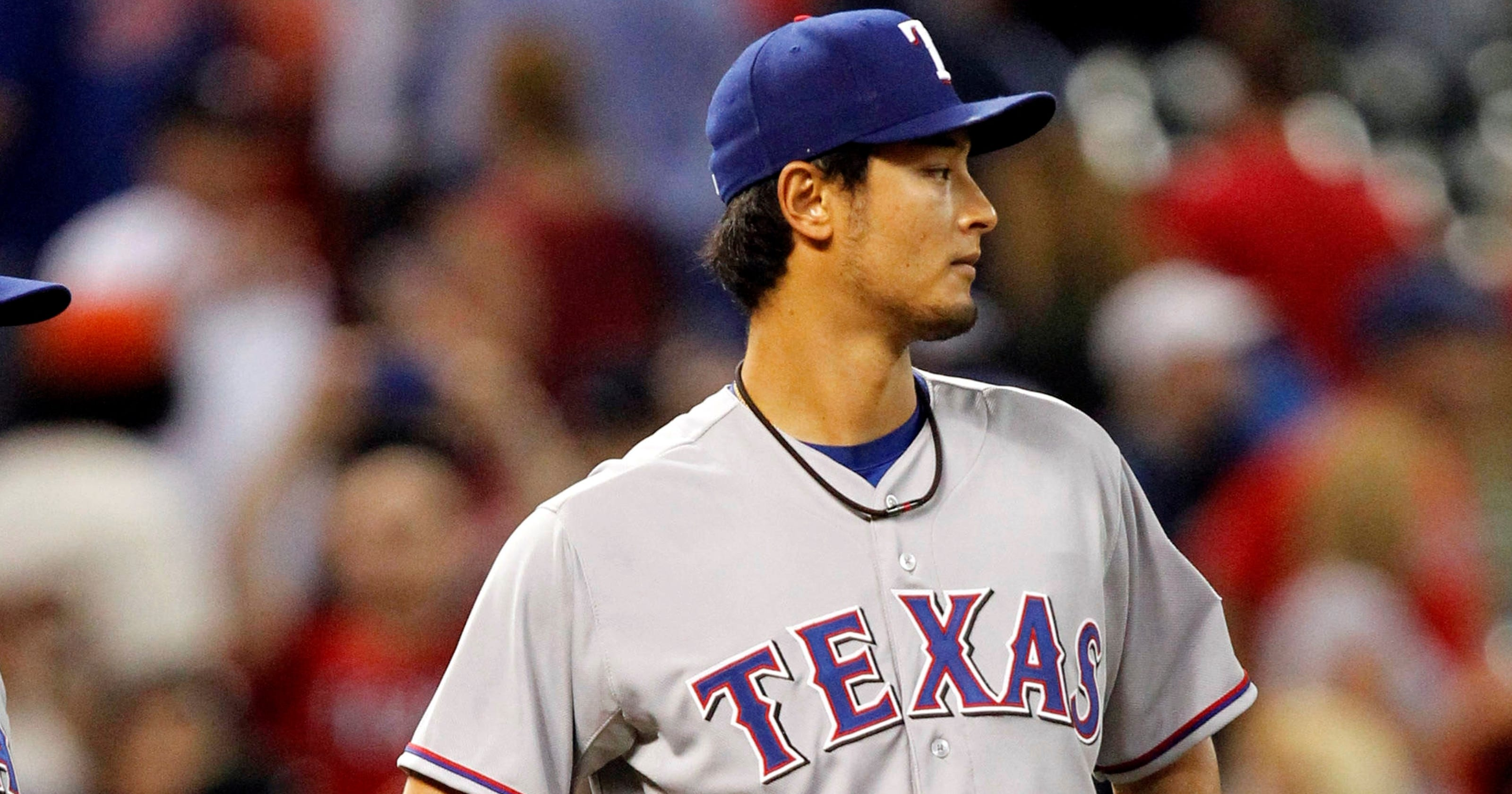 5d4f0f059 Rangers pitcher flirts with perfect game