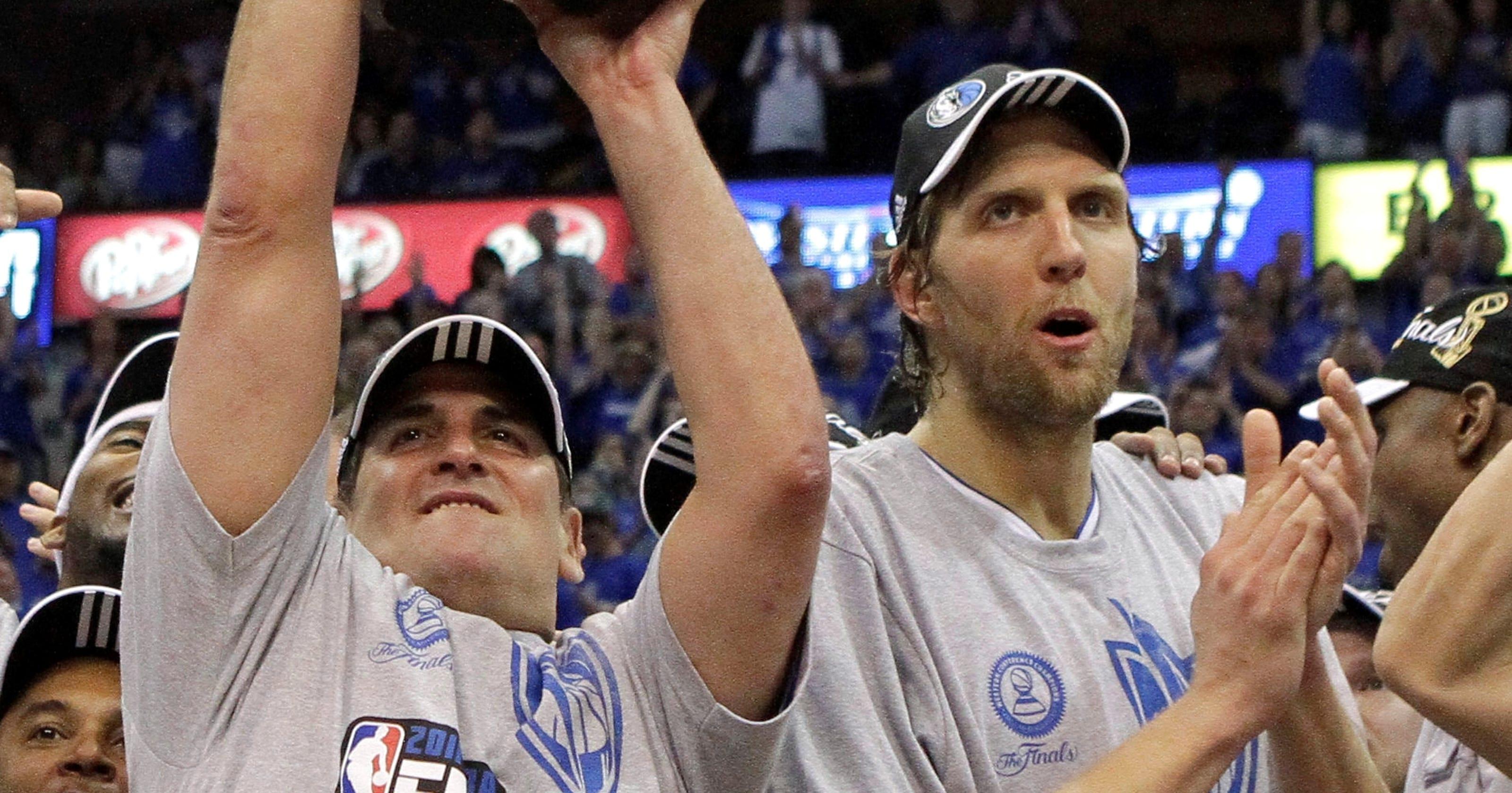 538b5c4930fc97 Dirk Nowitzki ponders his future with Dallas Mavericks