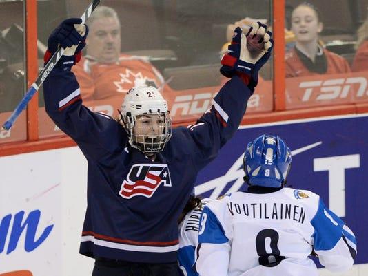 2013-4-8-usa-women-hockey-finland