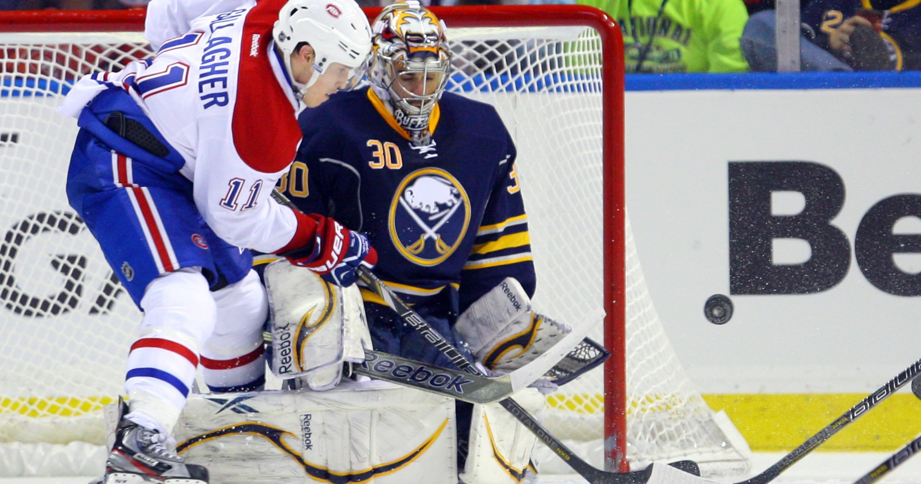 03cf9ac03e6 Canadiens rout Sabres to get back to playoffs