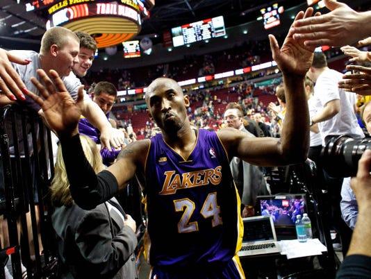 Kobe Bryant, Lakers teeter on right side of brink now