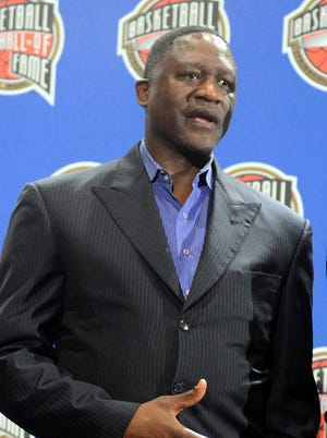 Dominique Wilkins suffered a torn Achilles late in his career similar to Kobe Bryant.